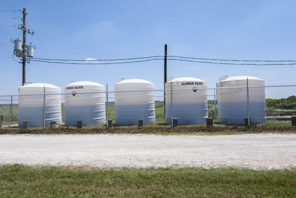 Aluminum sulfate storage tanks