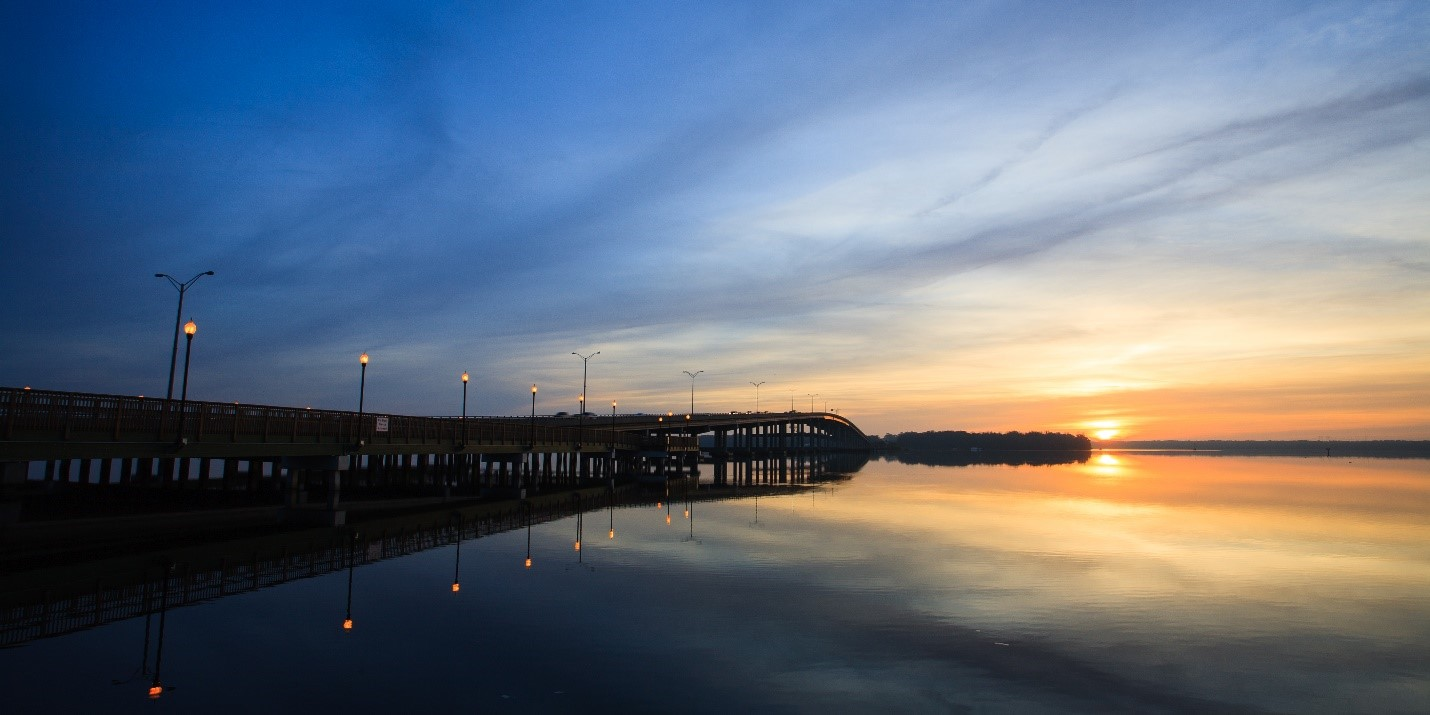 Sunrise over the St. Johns River at Palatka, with Memorial Bridge at left